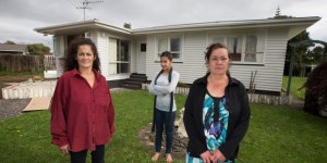 Outside their mothers old house in Papakura, sisters Dawn Sillick, left, with her daughter Elyshia, centre, and Mary Edmonds, right. Photo Brett Phibbs