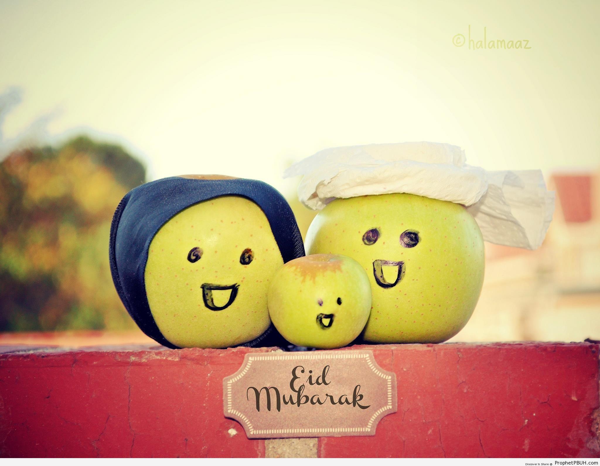 Wallpaper Cute Cartoon Muslimah Eid Mubarak Greeting Written Under Smiling Muslim Apple
