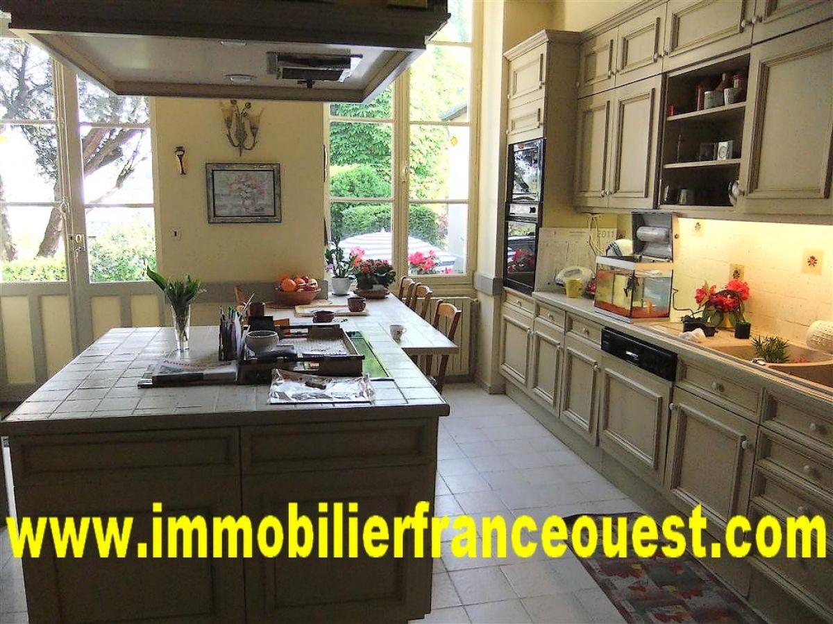 Maison bourgeoise  SablsurSarthe TGV Paris 1H15  Belles demeures Maisons de caractre
