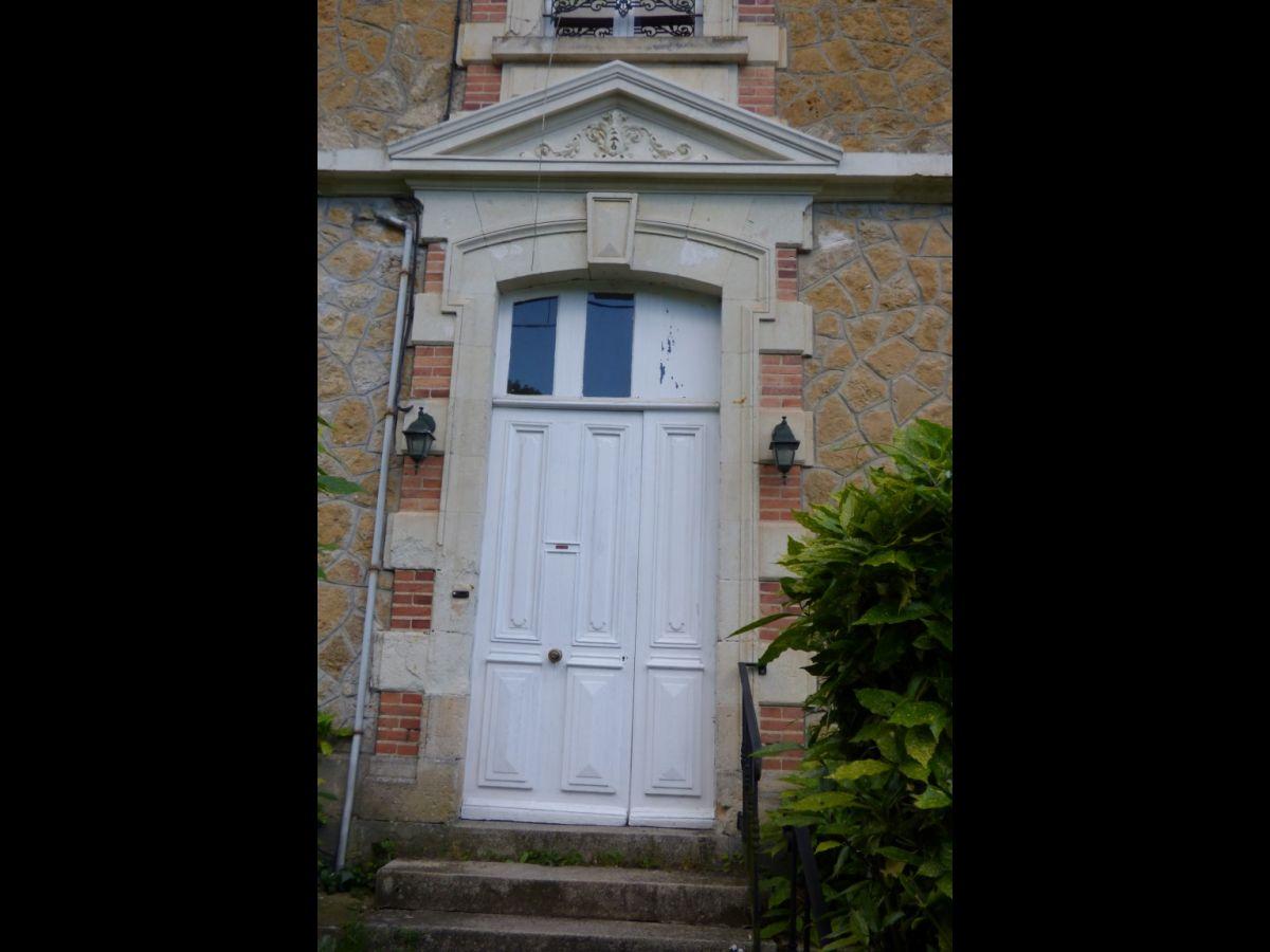 Maison de Matre XIXme  Second Empire  bord de rivire  Solesmes  Sabl 72300 Belles