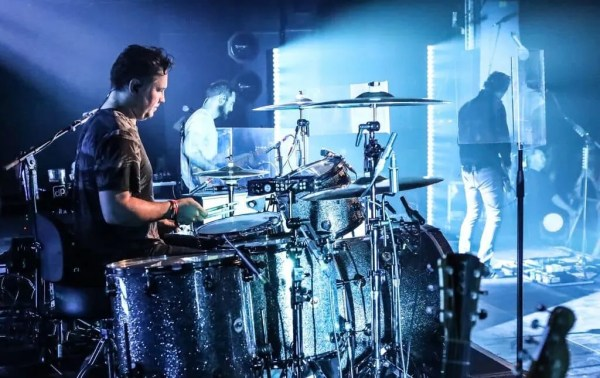 DPA's mics bring 'distortion-free' sound to Snow Patrol's live shows