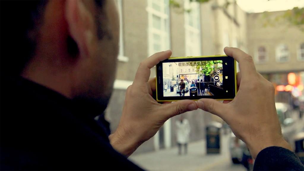 Resultado de imagen de persona filmando un video