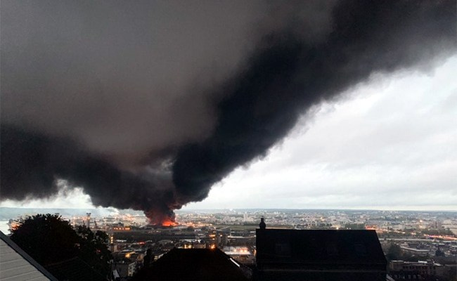 Usine Lubrizol en feu à Rouen