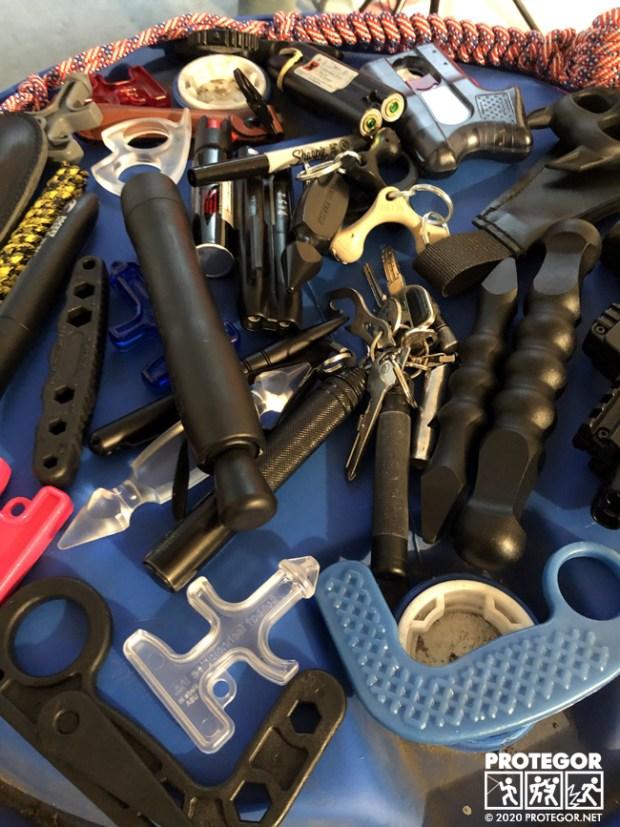 Une sélection d'impact tools prêtés par Armes Bastille pour tester dans le Labo Protegor