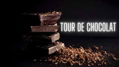 Tour de chocolat entourant une mousse au chocolat
