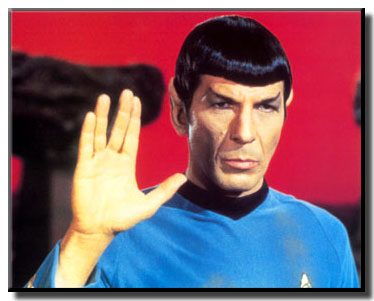 Si viajas por la galaxia te conviene saber cual es la forma correcta de saludar.