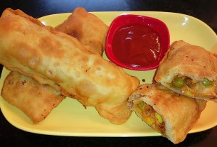 Chicken & Vegetable Pizza Puff Recipe without Oven