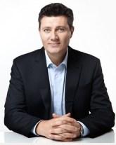 Dr. Viktor Jurk – Facharzt für Plastische & Ästhetische Chirurgie verwendet Regulatpro® Hyaluron