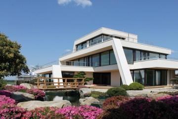 Luxusvilla mit Japangarten