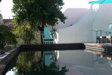 Pool-Anlage im wunderbaren Garten des Palácio Belmonte