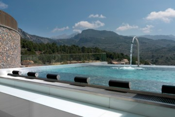 hydro-pool-im-jumeirah-port-soller_copyright-jumeirah-group