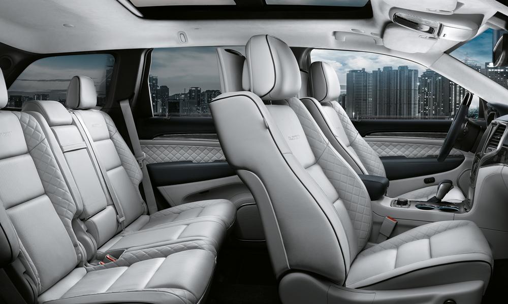 jeep modelle jahrgang 2017 modelljahr modelljahr-2017 4x4 offroad suv geländewagen neuheit neuheiten version modellpalette premium jeep-cherokee-summit-innenraum