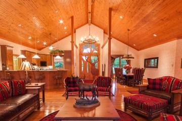 Harpole's Heartland Lodge - Great Room Elk Door