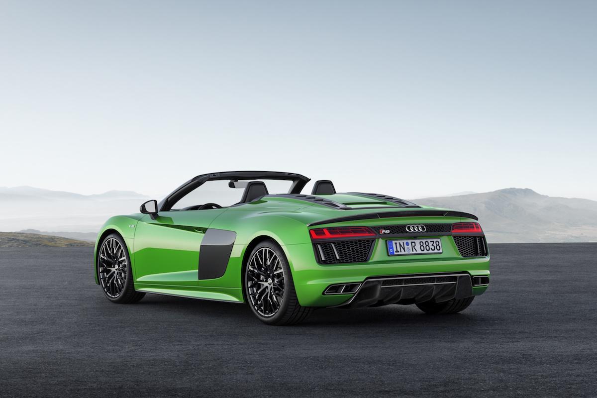 audi r8 spyder v10 plus modelle sportwagen v10-mittelmotor individualisierung fahrleistungen allradantrieb carbon softtop