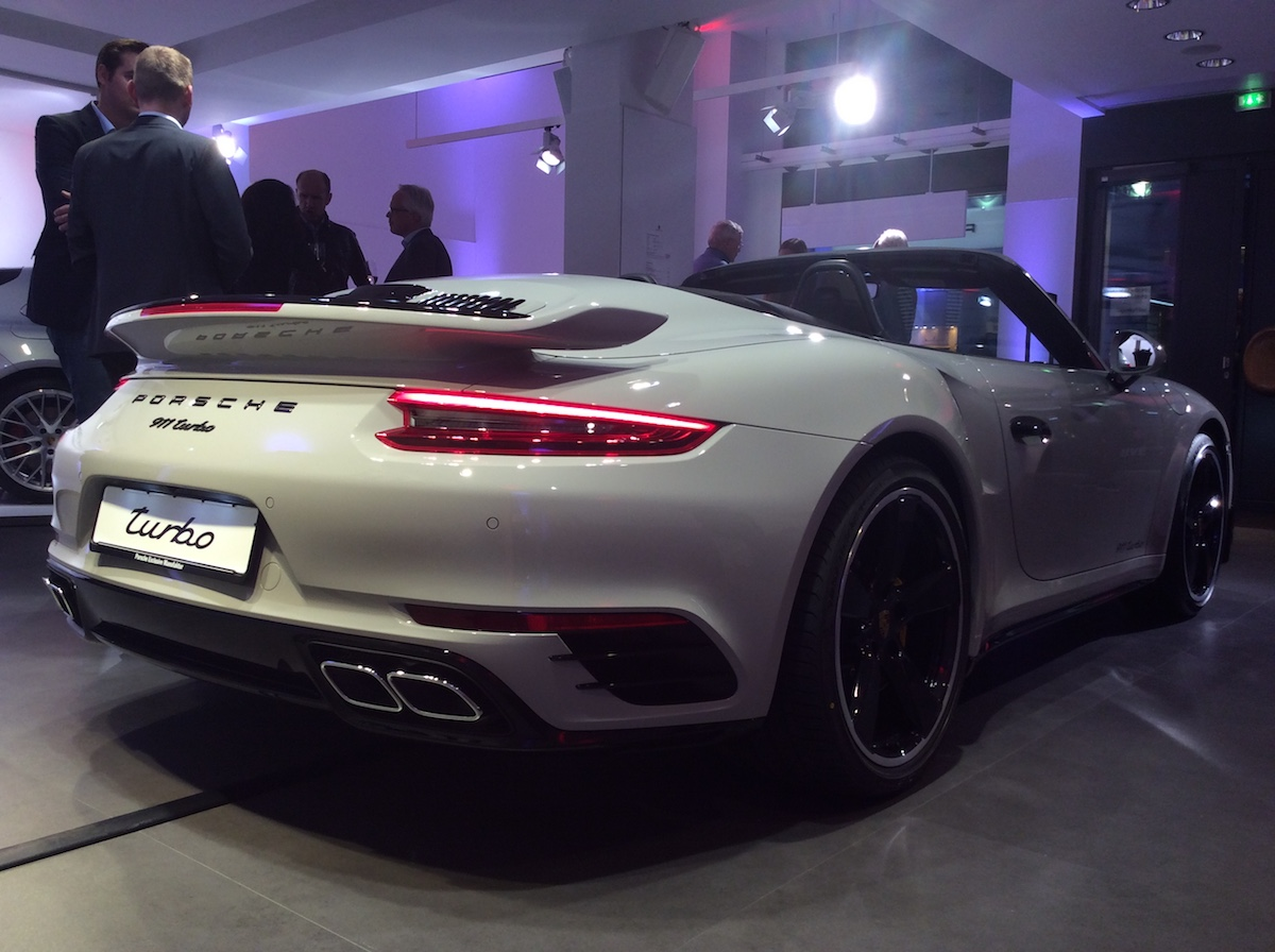 porsche exclusive manufaktur sportwagen limitiert veredelt modelle sportlimousinen individualisiert store luxus luxusmarke zürich paradeplatz porsche-911-turbo-s
