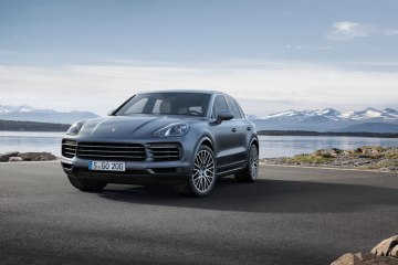 porsche new porsche-cayenne cayenne cayenne-s new novelties models suv lightweight equipment variants