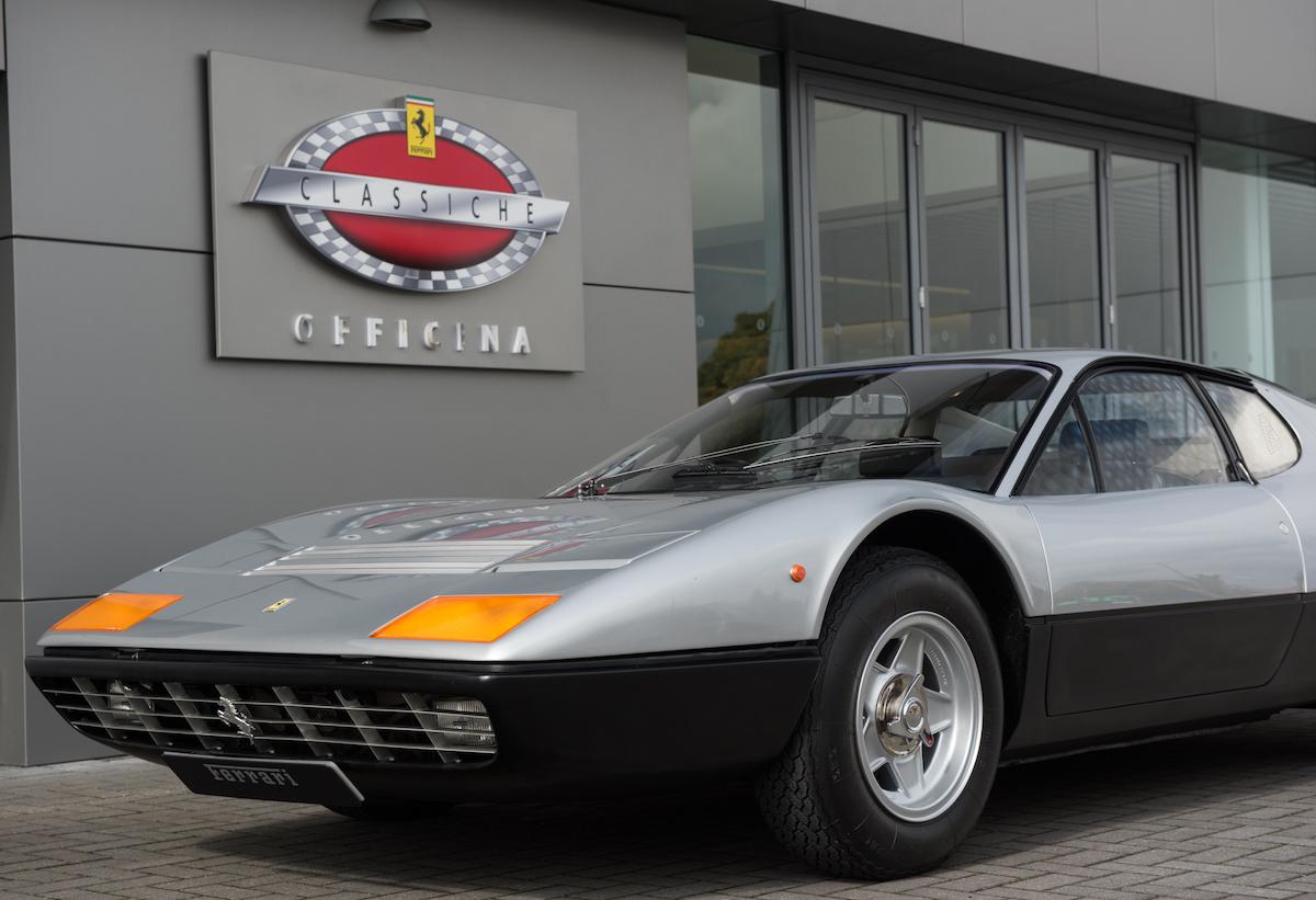 Ferrari Baut Den Service Für Besitzer Von Klassischen Fahrzeugen Und Oldtimer Weiter Aus Proudmag Com