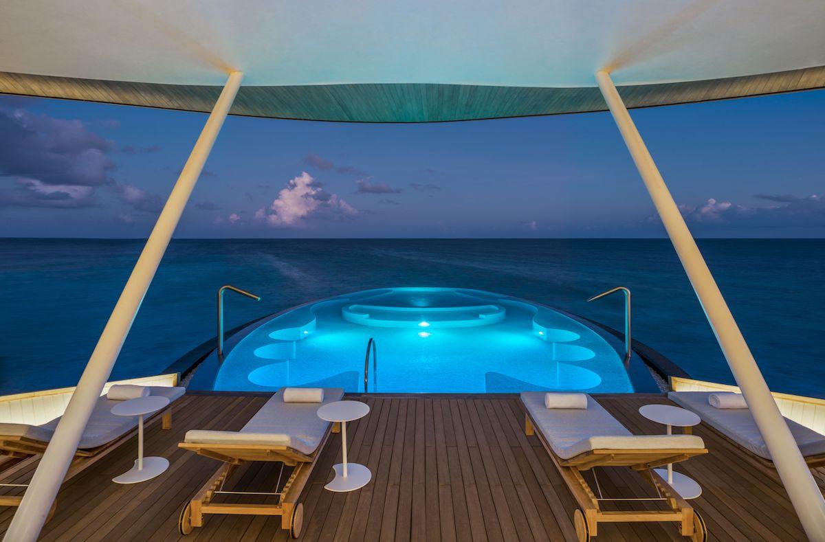 malediven luxus-urlaub luxus-reisen luxus-ferien luxus-resort luxus-hotels luxus-villen butlerservice restaurants weihnachten neujahr