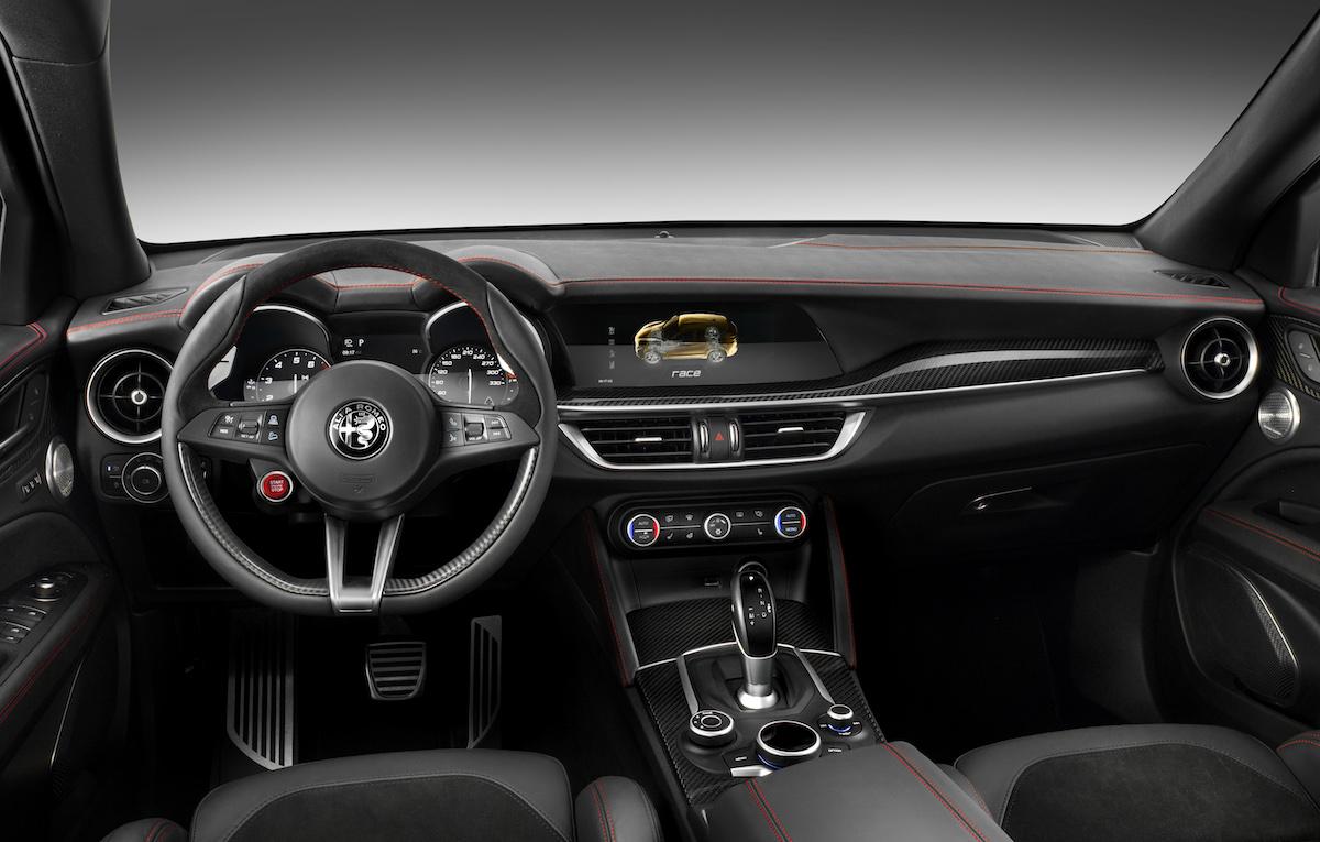 alfa romeo stelvio quadrifoglio suv sport utility vehicle geländewagen allradantrieb modelle neuheiten neu premium luxus innenraum