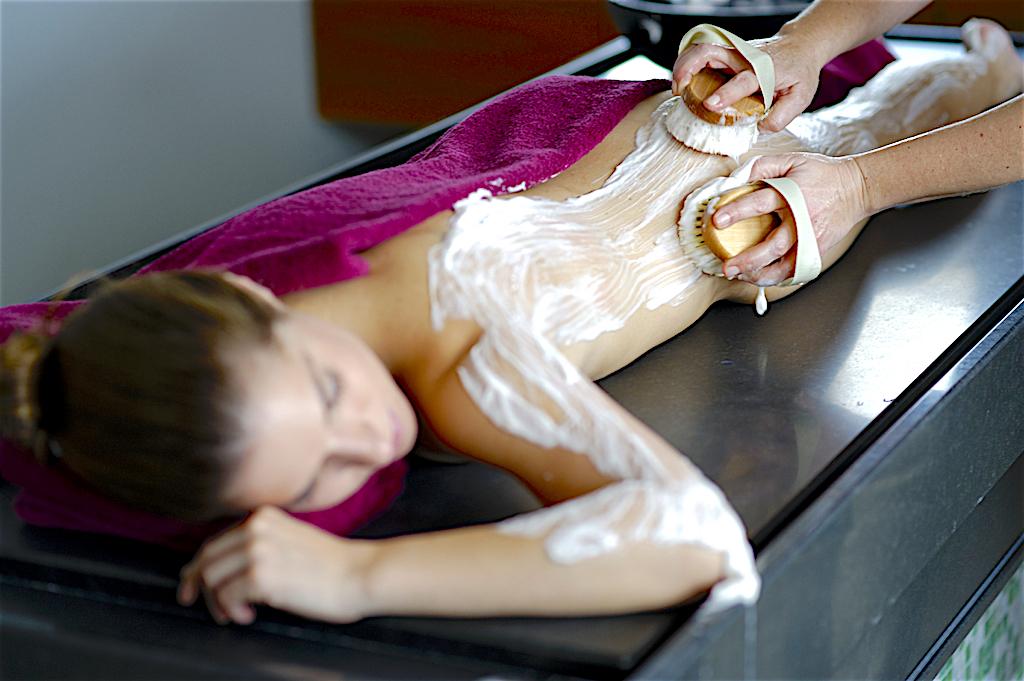 Seifenbürsten-Massage mit SanVino .