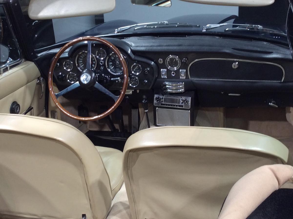 1966 Aston Martin DB 6 Volante