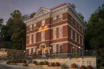 Das Jail Hill Inn in Galena, Illinois ist das ehemalige Gefängnis des pittoresekn Ortes