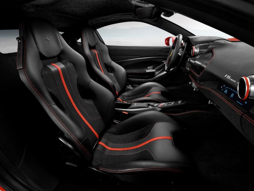 ferrari f8 tributo sportwagen modelle v8 2019 cockpit