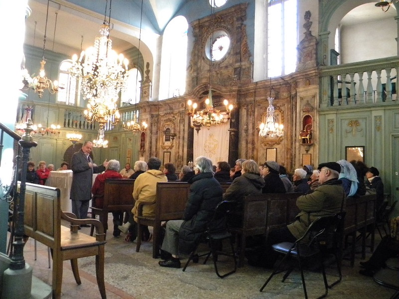 Carpentras synagogue service