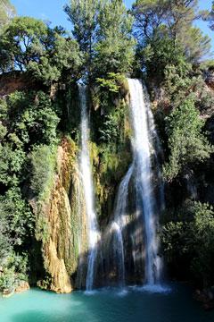 Sillans la Cascade, la cascade