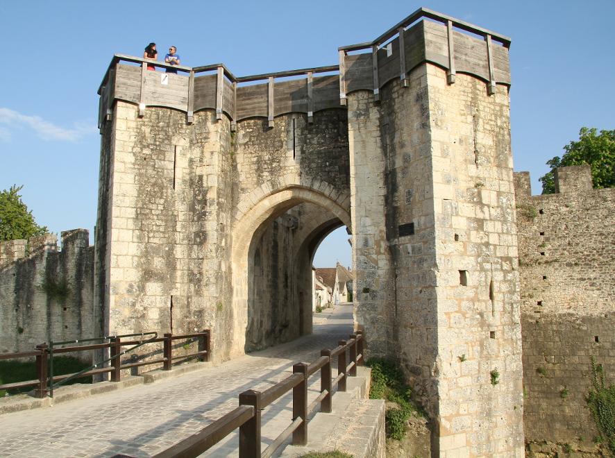 Les remparts de provins provins tourisme entre bass e montois et morin - Office du tourisme provins ...