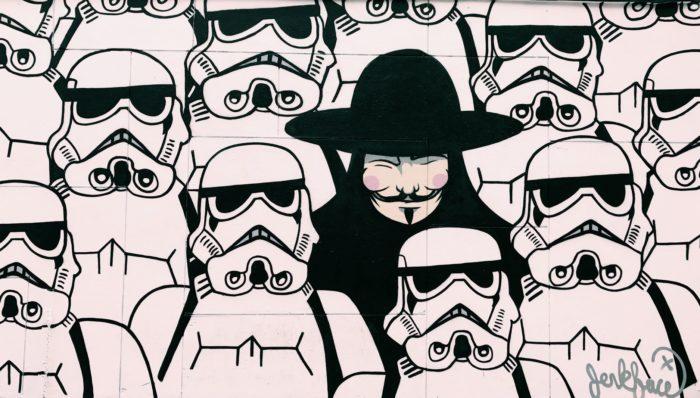 Grafite Guy Fawkes e Stormtrooper