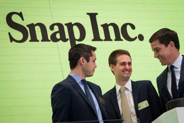 Snap looks to load up on cash in sizable debt offering – TechCrunch