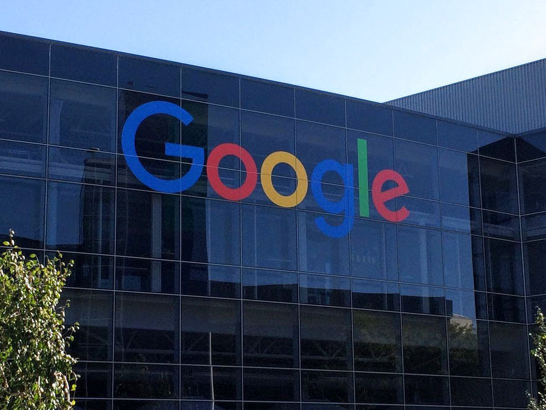 Google reportedly pushes back plan to reopen offices