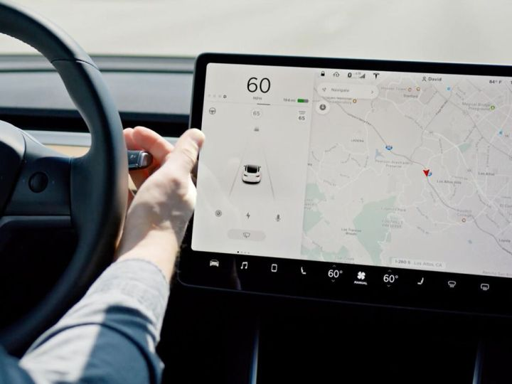 Tesla to roll out beta of Full Self-Driving on Tuesday, according to Elon Musk