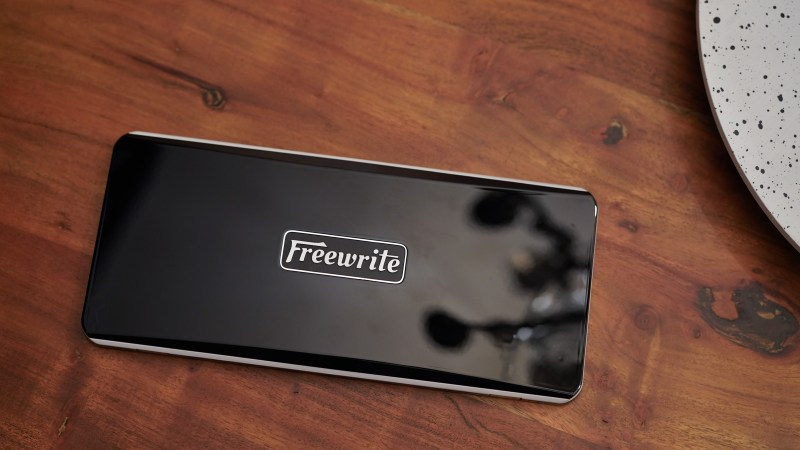 The Freewrite Traveler is an outstanding, but expensive, dedicated portable writing laptop – TechCrunch