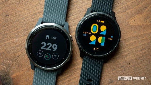 Garmin vivoactive 4 review vs Garmin Venu watch face display