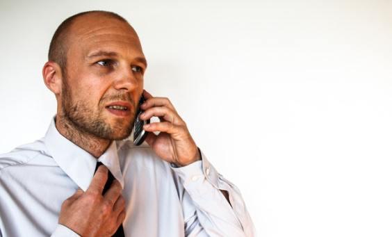 llamar-compañia-seguros-gestion-siniestros-urgentes