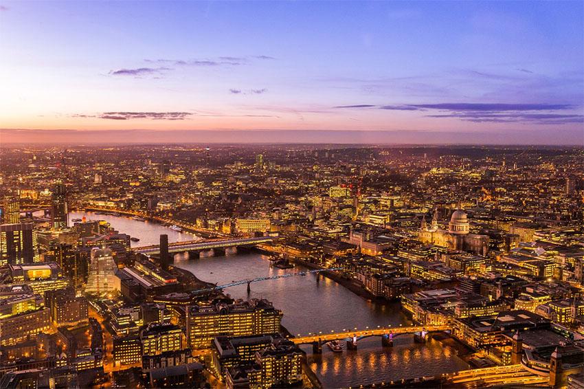 iconos del skyline de Londres: vista aerea de Londres desde el Shard
