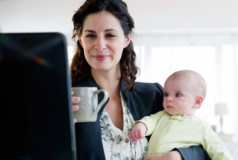 Depresión es menos frecuente en mamás trabajadoras