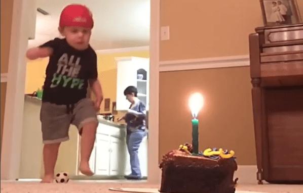apagar una vela con un balón