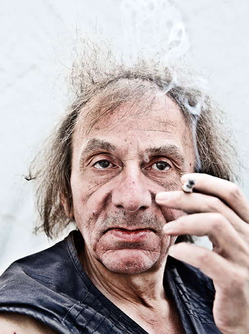 https://i0.wp.com/www.prozanostra.com/sites/default/files/michel_houellebecq_gq_2014_511x.jpg