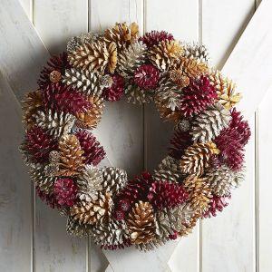 wreath-pinecones
