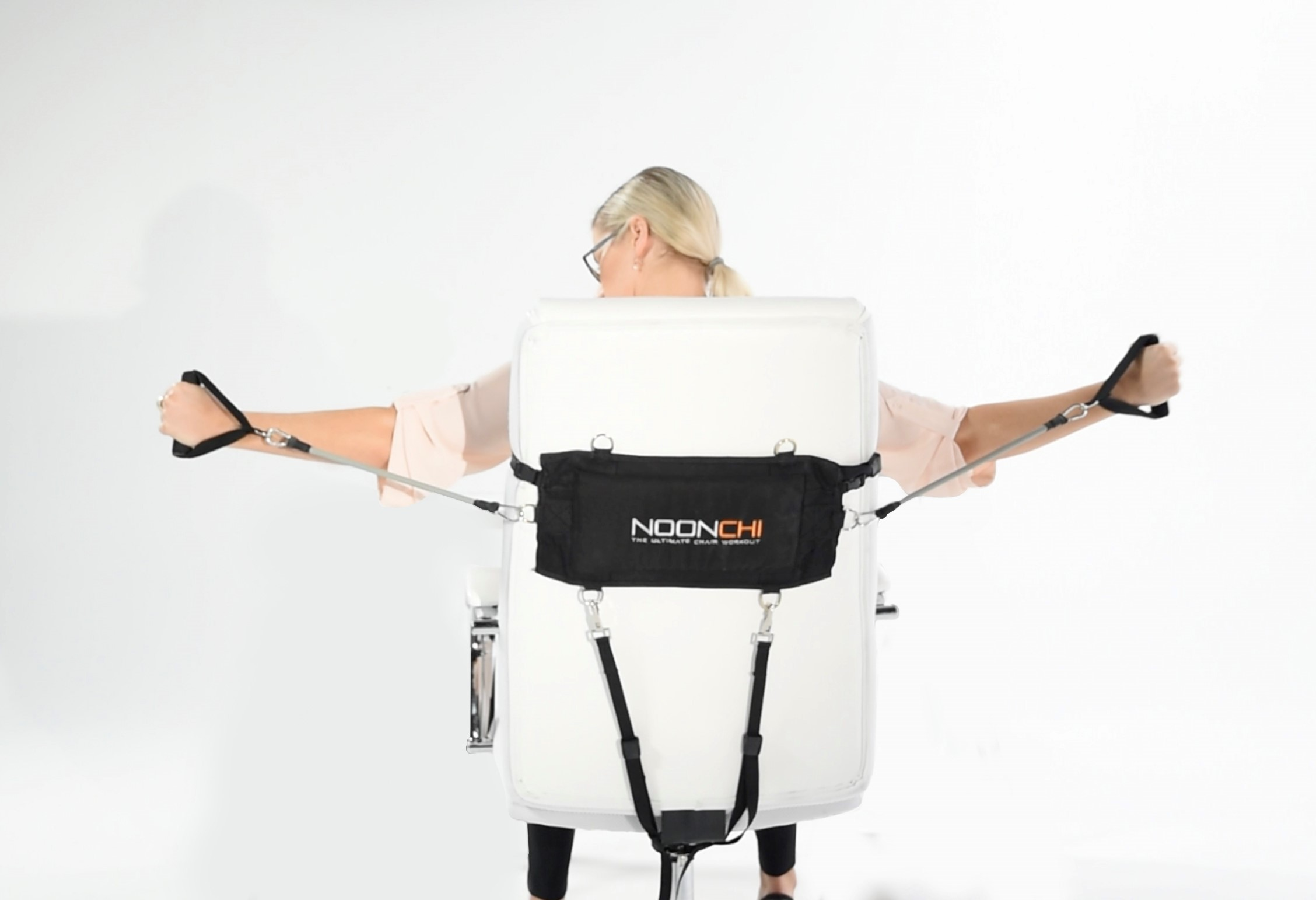 ergonomic chair kickstarter budget noonchi starts the new year with a portable office