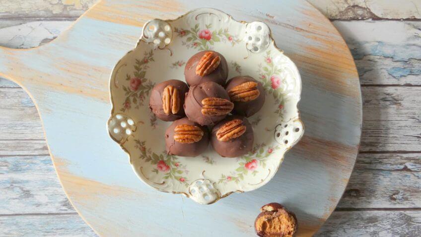 Pepernoten truffels met pecannoten