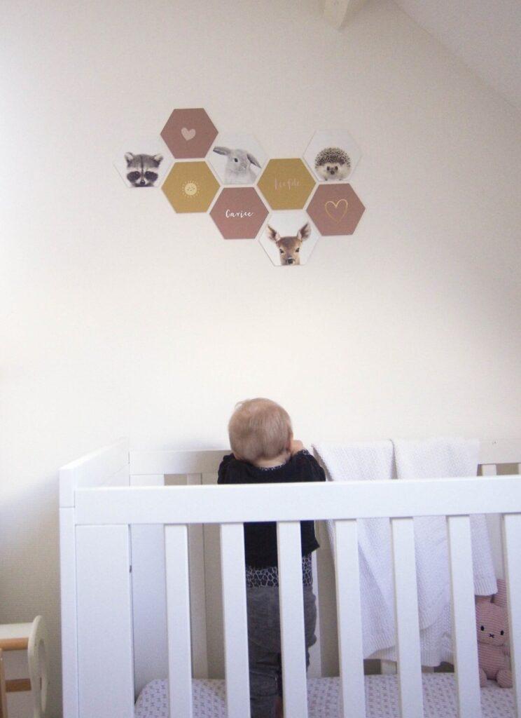 hexagon aan de muur