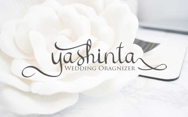 Cattelyna Classy Calligraphy Font