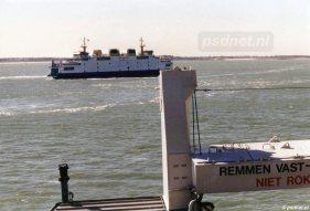 Op 14 maart 2003 werden voor het laatst auto's vervoerd over de Westerschelde. Als eerbetoon maakten de Koningin Beatrix (1993) en Prins Johan Friso (1997) een pirouette midden op de Westerschelde. Dit was mogelijk dankzij de roerpropellors, waardoor de veerboten om hun as konden draaien.