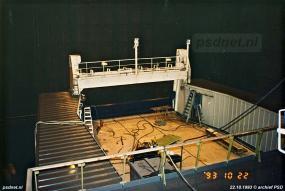 Aan de voor- en achterkant was het autodek van de Koningin Beatrix open. Bij flinke storm, zoals bijvoorbeeld in 2002 met windkracht 11, werd besloten om het bovenste autodek niet te laten en alleen gebruik te maken van het volledig gesloten hoofdrijdek.