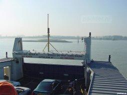 Auto's op de veerboot naar Breskens.