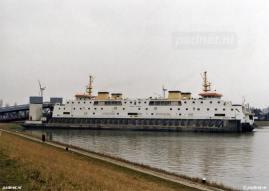 De Prinses Juliana is een klassiek uitgevoerd schip. De opbouw is aardig vierkant en het schip heeft geen zeeg, maar het onderwaterschip heeft een vloeiend lijnenplan. Dat laatste is uniek, omdat het in de jaren 80 al gebruikelijk was soortgelijke schepen met een knikspant uit te voeren.